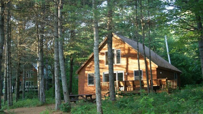 7. Maine Lakeside Cabins, Caratunk