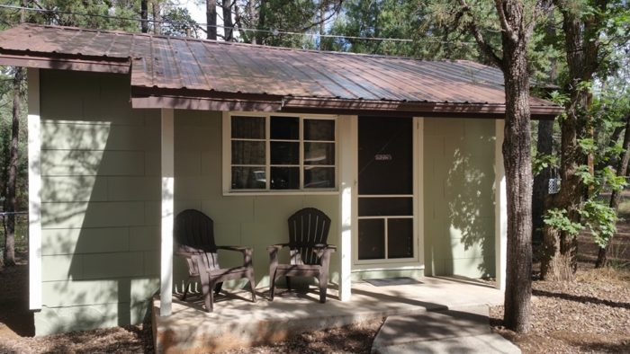 8. Hidden Rest Cabins, Lakeside