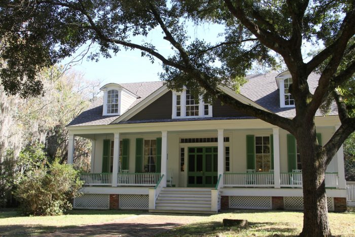 Davis' former home, the Rosemont Plantation was constructed ca. 1810. It was restored in 1971 and has since been opened for touring.