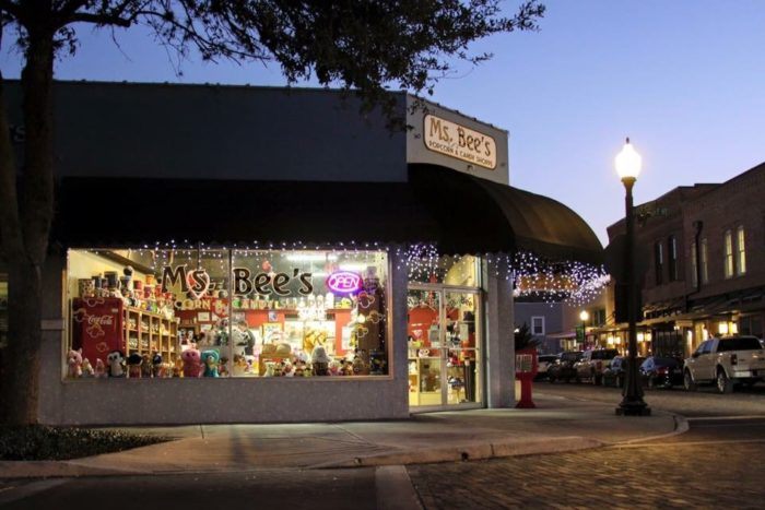 Winter Garden's charming historic downtown district is lined with cafes, restaurants, and cute shops like this one.