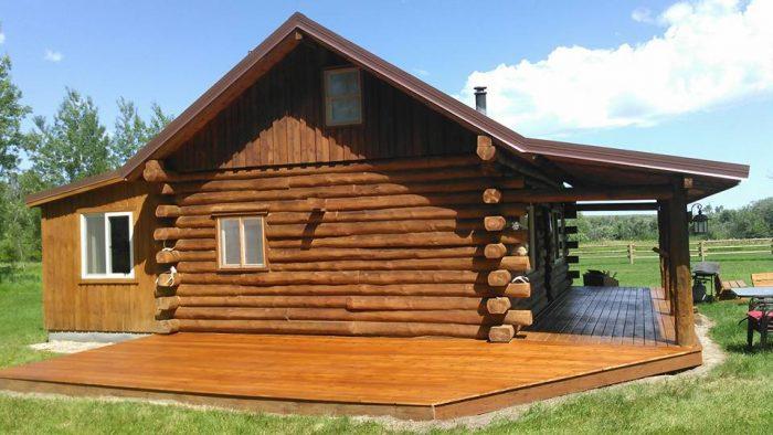 7. Cottonwood Log Cabins, Lewistown