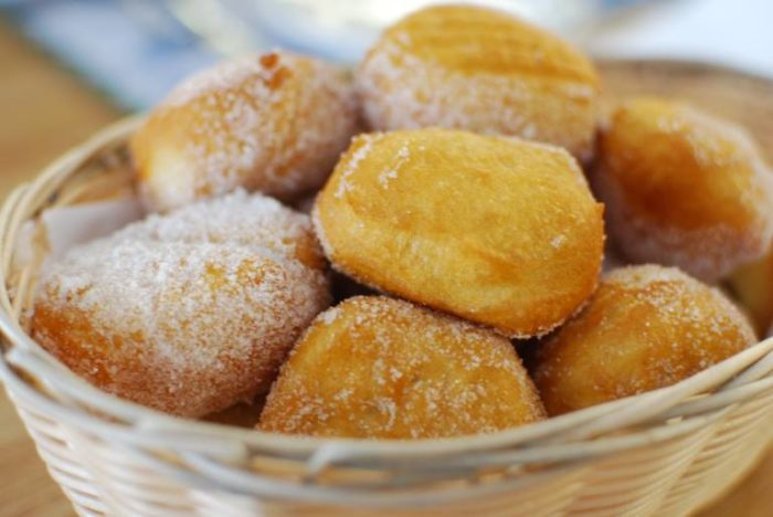 And definitely don't leave without eating a few mouthwatering sugar biscuits. Trust me.