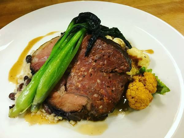 Wyebrook Farm serves lunch, dinner, and Sunday brunch. Choose from such scrumptious entrees as roasted chicken breast, pan-seared pork sirloin, and chicken liver mousse.  The menu and prices change daily.