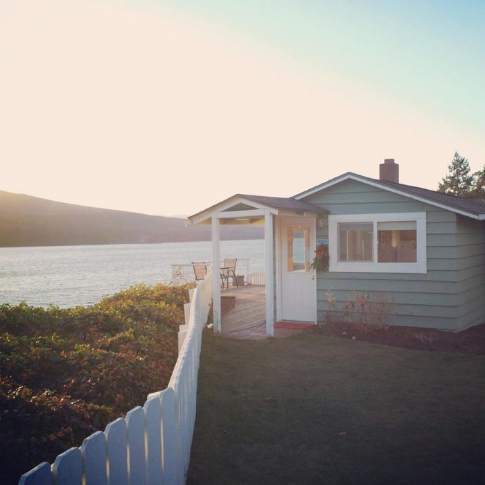7. Chevy Chase Beach Cabins, Port Townsend