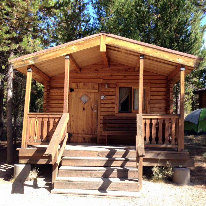 8 cozy cabins near portland perfect for a fall getaway for Cabins near portland oregon