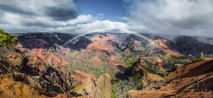 15. And, of course, we can't forget those iconic Hawaiian rainbows and stunning landscapes.