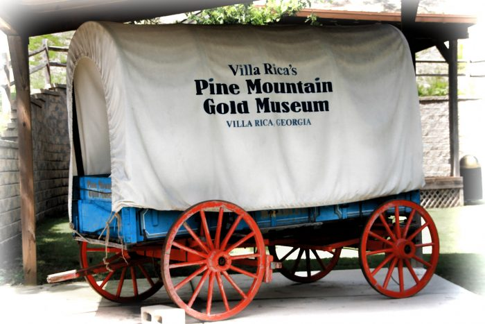 Guests flock to Pine Mountain Gold Museum to immerse themselves in the culture of what the gold mining industry once was, plus browse all the artifacts and exhibits from this fascinating time.