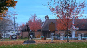 This Charming Ohio Town Is Picture Perfect For An Autumn Day Trip