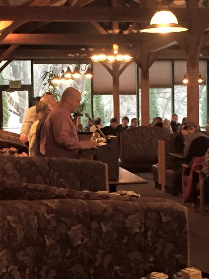 Plan your trip to Foxburg on a day when live entertainment is scheduled at The Allegheny Grille or on Sundays when the restaurant features an impressive buffet.