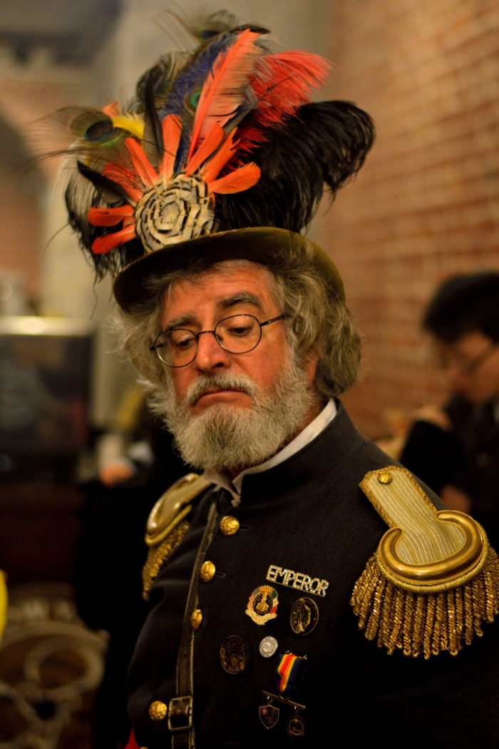 5. In 1859, San Francisco citizen Joshua Abraham Norton self-declared himself the Emperor of the United States. At Norton I's funeral, 10,000 people turned up to pay their respects. Note the picture below is not of the *actual* Emperor Norton.