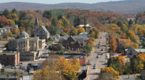 This Charming Maryland Town Is Picture Perfect For An Autumn Day Trip