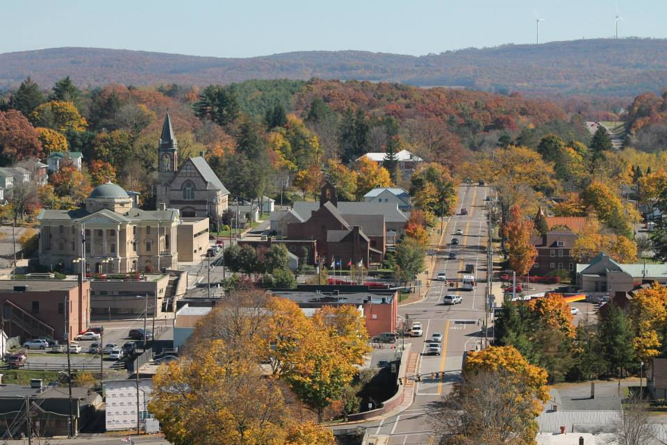 This Charming Town In Maryland Is Perfect For An Autumn