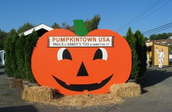 Pumpkintown U.S.A. is a small village dedicated to the love of autumn! So there's no better way to celebrate October, and no better place to find the perfect pumpkin!