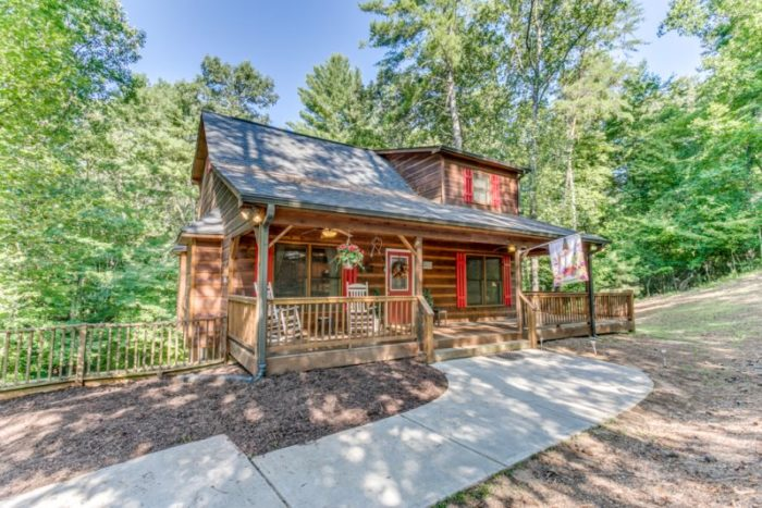 2. Laughing Bear Cabin—Ellijay