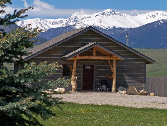 3. Blue Sky Cabins, Red Lodge