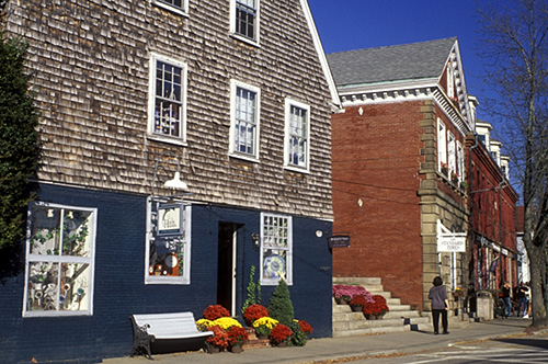 Historic Wickford Village is found in the charming town of North Kingstown in South County. Known for its lovely locally owned boutiques and vintage shops, the quaint village also offers much more!