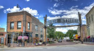 This Charming Illinois Town Is Perfect For An Autumn Day Trip