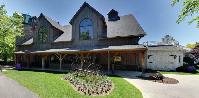 Just minutes away from the metro area, at 6263 West Jewel Avenue in Lakewood, is White Fence Farm, a dining and entertainment experience that is unforgettable!