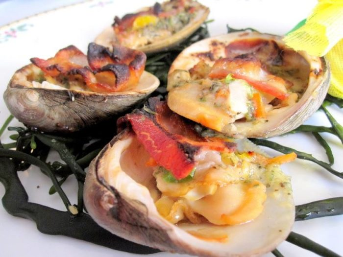 Another popular starter is the savory clams casino. This drool-worthy dish is what dreams are made of.