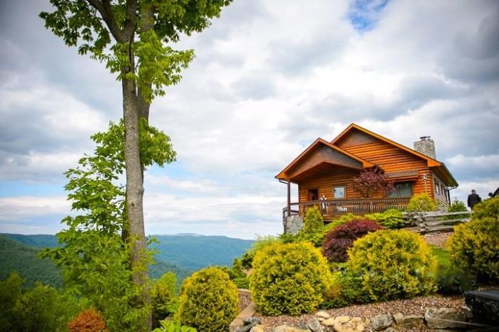 The 10 Coziest Fall Cabin Rentals In North Carolina
