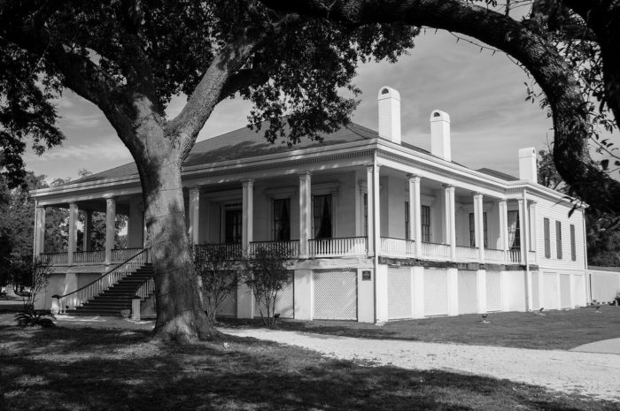 Davis' daughter, Winnie, lived in Beauvoir until her death in 1898. In 1903, The Jefferson Davis Soldier Home was opened on the property. In operation until the 1950s, it was home to nearly 2,000 Confederate veterans and their widows and children. Approximately 800 of them are buried in the cemetery located on the grounds.