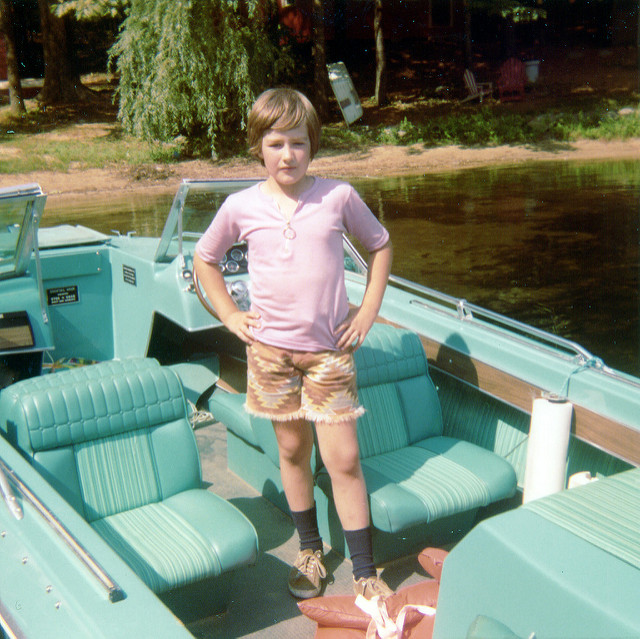 4. This boat's color could only be from the 1970s!