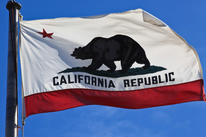 2. The bear used for the image on the California State flag lived in Golden Gate Park. The bear, named Monarch, was one of the last wild grizzly bears in California.