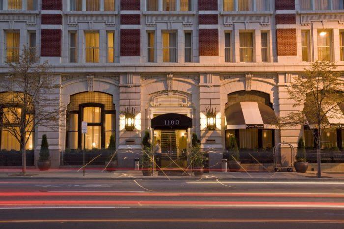 4. Hotel Teatro