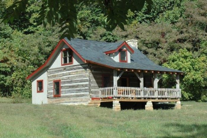 12. Cave Hill Log Cabin (Winchester)