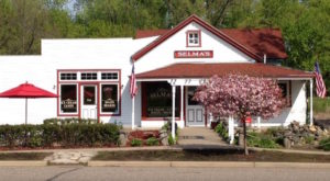 A Visit To The Oldest Ice Cream Shop In Minnesota Is Sure To Satisfy Your Sweet Tooth