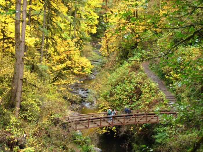 You'll cross beautiful canyon bridges....