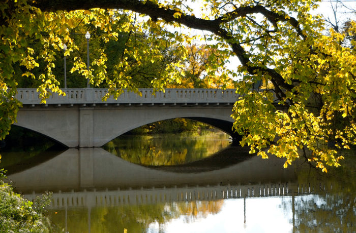 Along this tour, you will see 8 different historical bridges, both beautiful in architecture and intriguing in history.