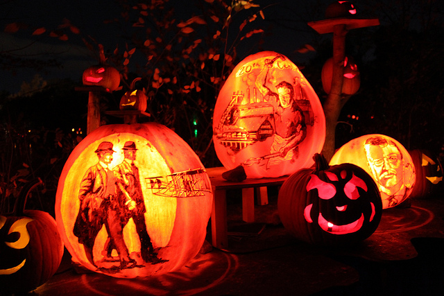 "The Jack-O-Lantern Spectacular runs from October 6th through November 6th and is open  7 days a week from 5:30pm until 11:00pm. This year's theme is entitled, ""American Treasures,"" and celebrates the nation's history and culture through the lens of postage stamps."