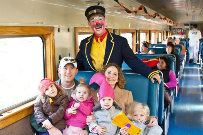 A special train ride is held for the Halloween season on October 29, 2016 with four time slots available: 9:15 a.m., 11:15 a.m., 1:15 p.m., and 3:15 p.m.