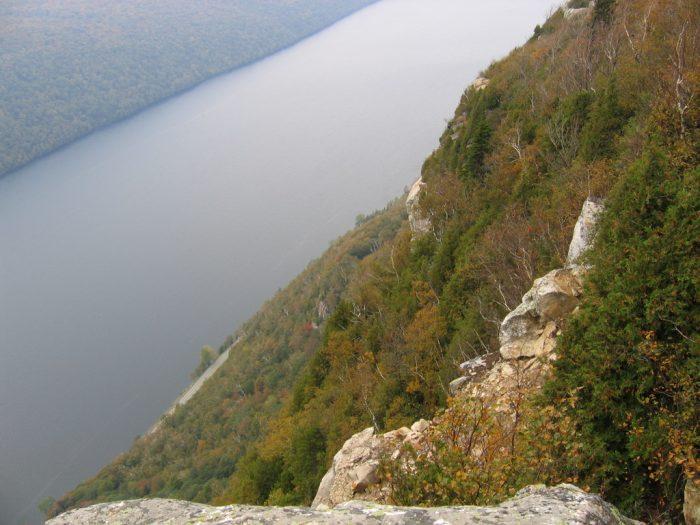 4.  Bluff Mountain