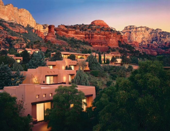 Resting in between the canyon walls, the resort sits on 70 quiet acres of spectacular scenery you can only find in Sedona.  This is perfect if you're looking for a chance to enjoy nature in style.