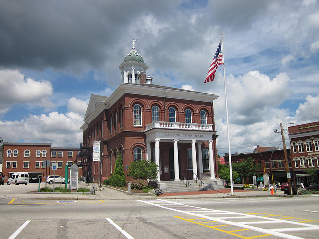 Downtown Exeter is perfect for shopping. The college town feel lends itself to small shops that are great for browsing.