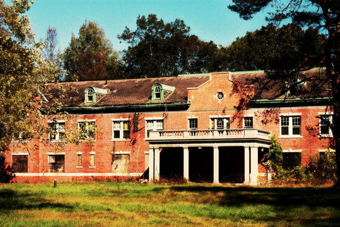 Many people believe that the grounds are haunted, mostly due to the unfortunate deaths that plagued the facility. First a suicide, then a water heater explosion, a car accident, and a number of patients dying during treatment. Could this be the place of tortured souls?