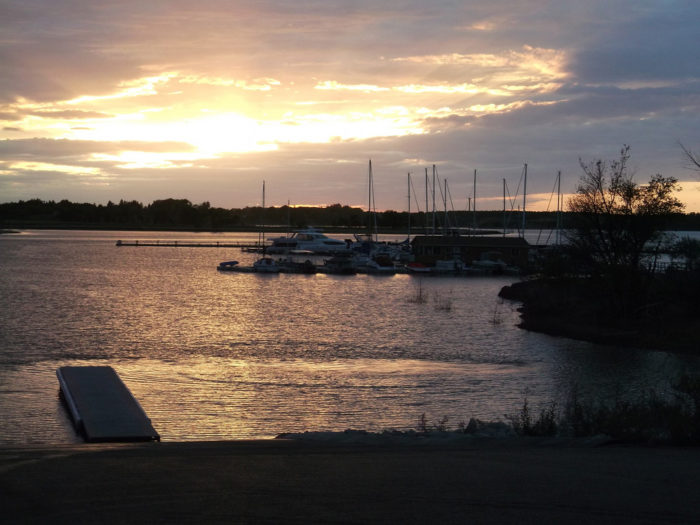 Best lake vacation in north dakota everyone should take for Lake sakakawea fishing