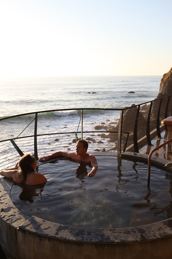 The main draw of Esalen is the hot springs. Three water sources converge here to inspire renewal and revitalization. The Esalen baths are perched at the edge of the Pacific Ocean, creating the sense of truly getting away from it all.