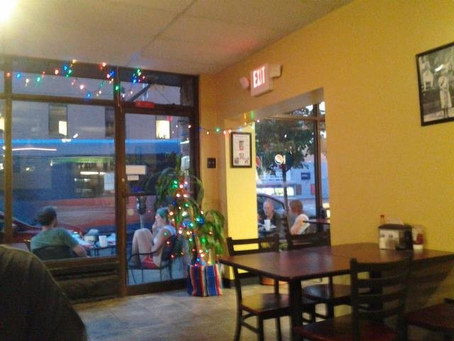 7. Los Cabos Mexican Restaurant – 4110 Penn Avenue