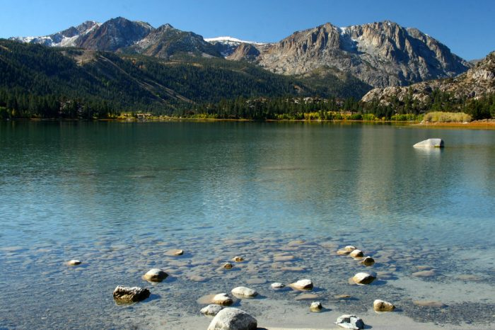 The Ansel Adams Wilderness is the backdrop for this unbelievable drive.