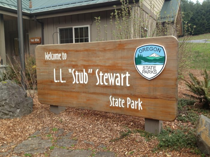 8 cozy cabins near portland perfect for a fall getaway for Stub stewart cabins