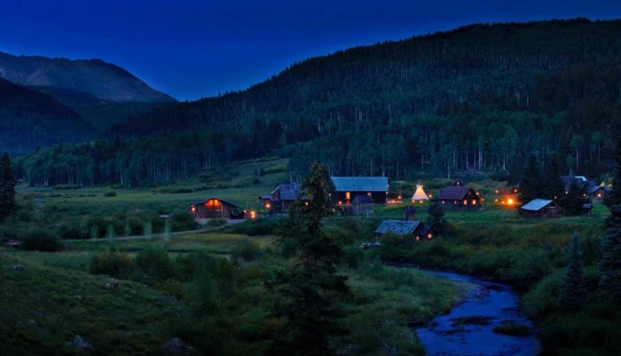 """Each night's stay at Dunton includes all meals and drinks. Package deals (varying from a """"Ski and Soak"""" to a 5-night """"Celebration"""" bundle) are also available. Be sure to visit Dunton Hot Springs's website for prices and availability."""