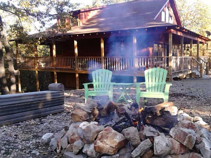 6. Robin's Nest Cabin (Hot Springs)