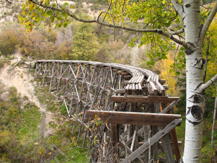 One of the more unique trails is the Cloud-climbing Trestle Trail. This 1.2-mile, easy to moderate hike, leads to a viewing station overlooking the Mexican Canyon Trestle.