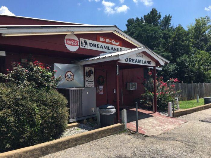 7. Dreamland Bar-B-Que (Ribs with White Bread) - Tuscaloosa, AL