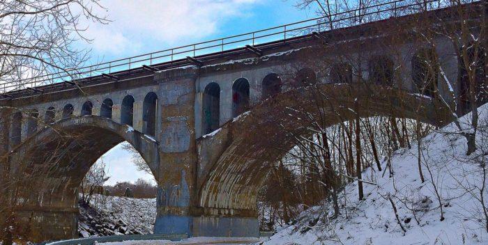 5. Haunted Bridge - Avon