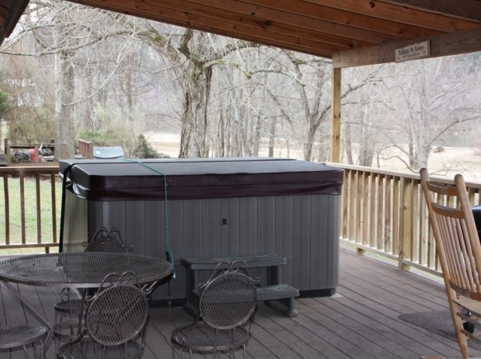 Hot-Tub-on-Back-Porch