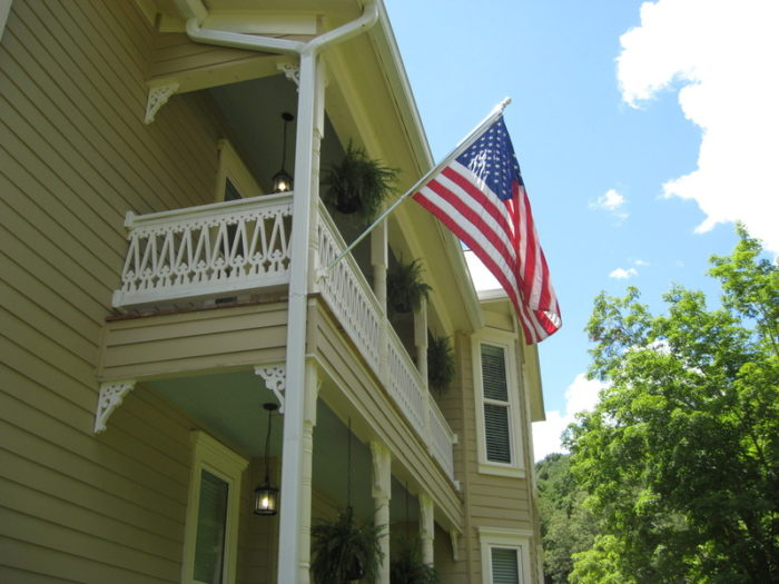 The Old Wolfe Inn is a Bed and Breakfast in town that gets great reviews.